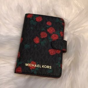 NWT Michael Kors passport case PRICE FIRM